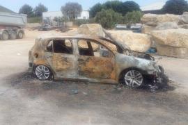 La Policía Nacional investiga el incendio de un coche en Can Bufí