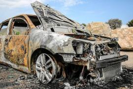 La Policía Nacional investiga el incendio intencionado de un coche robado en Vila