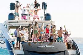 Navegar en libertad con Smart Charter Ibiza