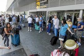 Más de 1.100 vuelos y 155.000 pasajeros para el arranque de la temporada alta