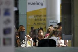 Vueling recupera en el Prat la normalidad en la mayoría de vuelos a pesar de las cancelaciones