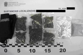 La Policía Local de Sant Antoni detiene a siete personas y desmantela la principal red de distribución de droga en el paseo marítimo