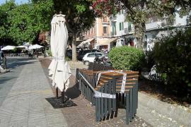 Vila precinta dos terrazas del centro de la ciudad por no disponer de licencia