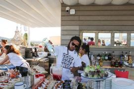 Fiesta de promoción en el Sol House mixed by Ibiza Rocks