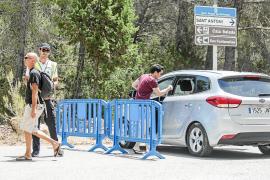 Sant Antoni valora cambiar la ubicación de la primera barrera de Cala Salada