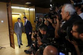 Rivera abre la puerta a una abstención para un Gobierno en minoría de Rajoy
