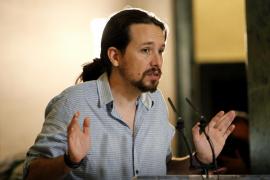 Iglesias avisa al PSOE que si permite la investidura de Rajoy será «poco menos que en un socio»