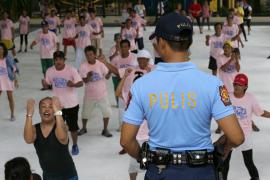 8.800 drogadictos de Manila se entregan a la Policía