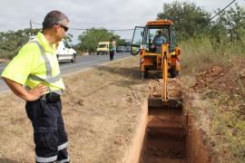 Comienzan las catas arqueológicas preventivas en la carretera de Santa Eulària