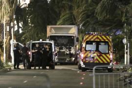 Encuentran un documento de identidad de un franco-tunecino en el camión de Niza