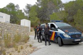 La Policía Nacional traslada a la Audiencia Nacional a 5 detenidos en la operación Cardón