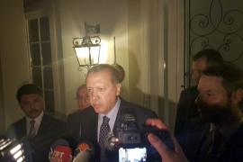 Erdogan hace un llamamiento a la gente a resistir el golpe militar