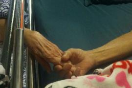 Mueren casi a la vez, cogidos de la mano, tras 58 años casados