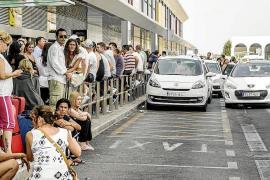 Sant Josep mantendrá a la Policía Local en el Aeropuerto para luchar contra los taxis pirata