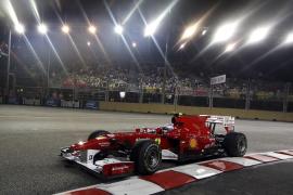 Alonso logra en Singapur la segunda 'pole' consecutiva de la temporada