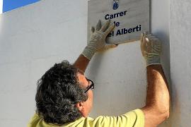 Dos placas recuerdan el viaje del poeta Rafael Alberti a Eivissa