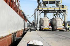 El tráfico de mercancías en el puerto de Eivissa se dispara un 14% por el aumento del consumo