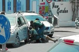 Seis meses de cárcel para el joven que agredió a unos guardias civiles en Platja d'en Bossa