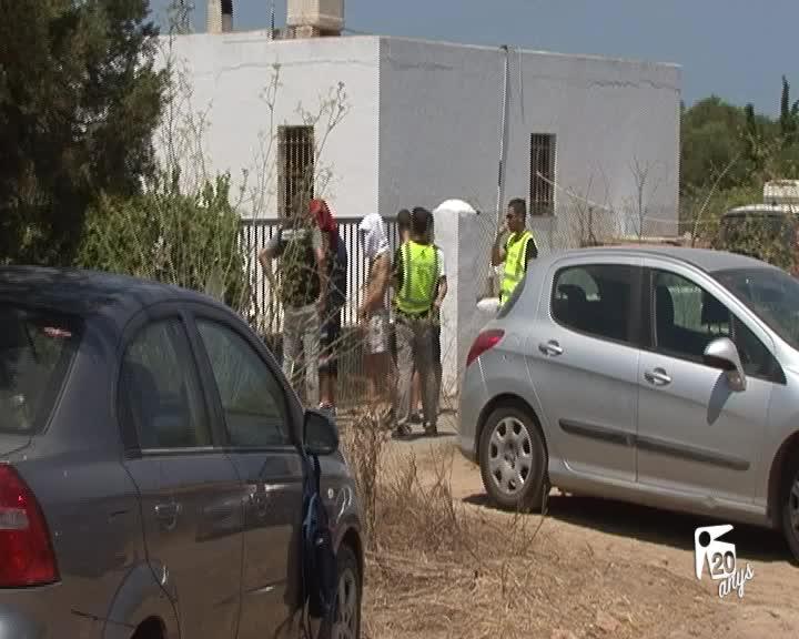 Un guardia civil, detenido por ayudar a una banda que robaba casas en Ibiza