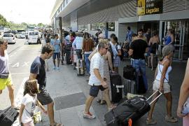 El aeropuerto de Eivissa registrará en cuatro días 214.928 viajeros y 1.910 vuelos