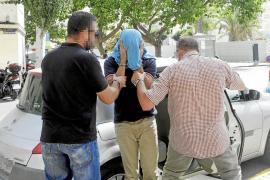La Guardia Civil tramita ya la suspensión del agente implicado en la banda de robos a casas