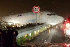 Un avión de carga se sale de pista en el aeropuerto italiano de Bergamo