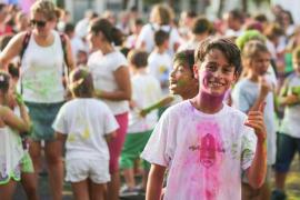 Mucho color en la fiesta infantil Holi Festival
