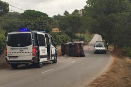 Vuelca un monovolumen en Sant Llorenç y los ocupantes salen ilesos