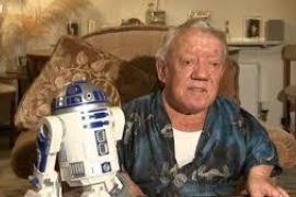 Kenny Baker fue R2-D2