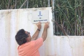 Vila instala en Platja d'en Bossa una placa dedicada a María Teresa León, mujer de Alberti