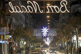 Los comerciantes aseguran que Vila les quiere cobrar el montaje de las luces de Navidad