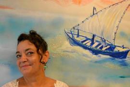 Victoria Arenal lleva la luz de Eivissa a Ebusus