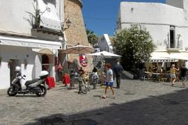 Detenidos por agredir a dos policías tras irse de un restaurante de Vila sin pagar