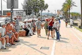 Recogen firmas para pedir a Sant Antoni que acabe con los vendedores ambulantes