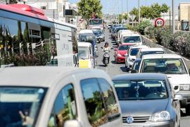 463 vehículos desembarcaron cada día en el puerto de Eivissa entre abril y julio