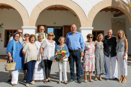 El Ayuntamiento de Santa Eulària rinde homenaje a 50 años de fidelidad turística