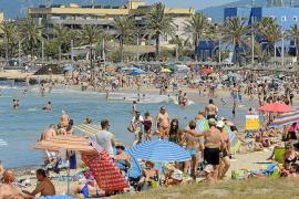 El Govern defiende el «éxito turístico» del verano y pide más «prudencia» en el debate