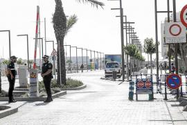 Un total de 1.150 vehículos autorizados han entrado a la fachada marítima durante este mes