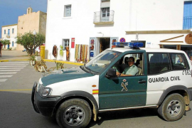 Vecinos de Formentera denuncian una cadena de robos en viviendas