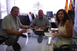 Sant Antoni firma un convenio de colaboración con Cáritas por 50.000 euros