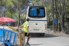 El Consell quiere cerrar más playas a los coches tras el «éxito» de Cala Salada