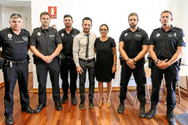 Reconocimiento a los cuatro policías locales de Vila que salvaron la vida a una mujer