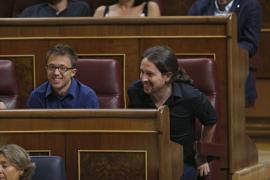 Pablo Iglesias compara el discurso de Rajoy con una viñeta de Hermano Lobo: «O Yo o el caos, y ambos eran el caos»