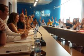 Sant Antoni insta al Govern a impedir nuevos hoteles con música al aire libre