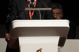 Villar anuncia la retirada de su candidatura a la presidencia de la UEFA