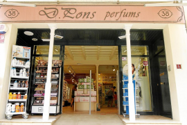 D. Pons, treinta años perfumando Menorca