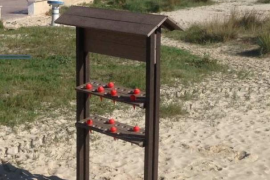 10.000 ceniceros para las playas de Sant Antoni