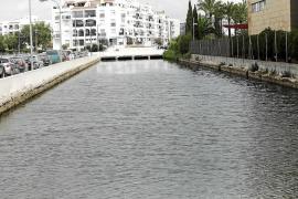 Los hoteleros alertan del «hedor insoportable» del torrente de sa Llavanera, que «amarga» a vecinos y turistas