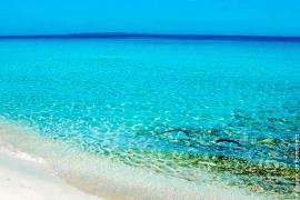 En estado crítico un italiano que casi se ahoga en Formentera