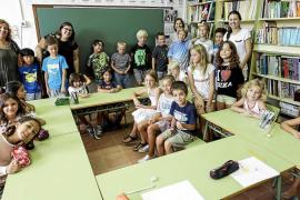 Reencuentro de 'padrins i fillols' en una 'escola petita'